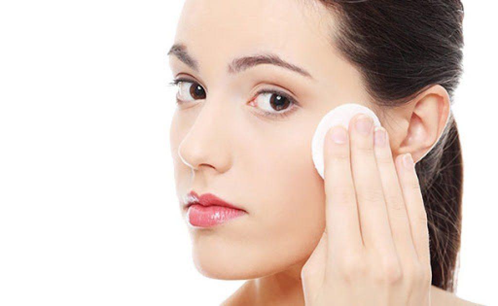 Top 10 loại nước hoa hồng cho da nhạy cảm tác dụng cực sâu