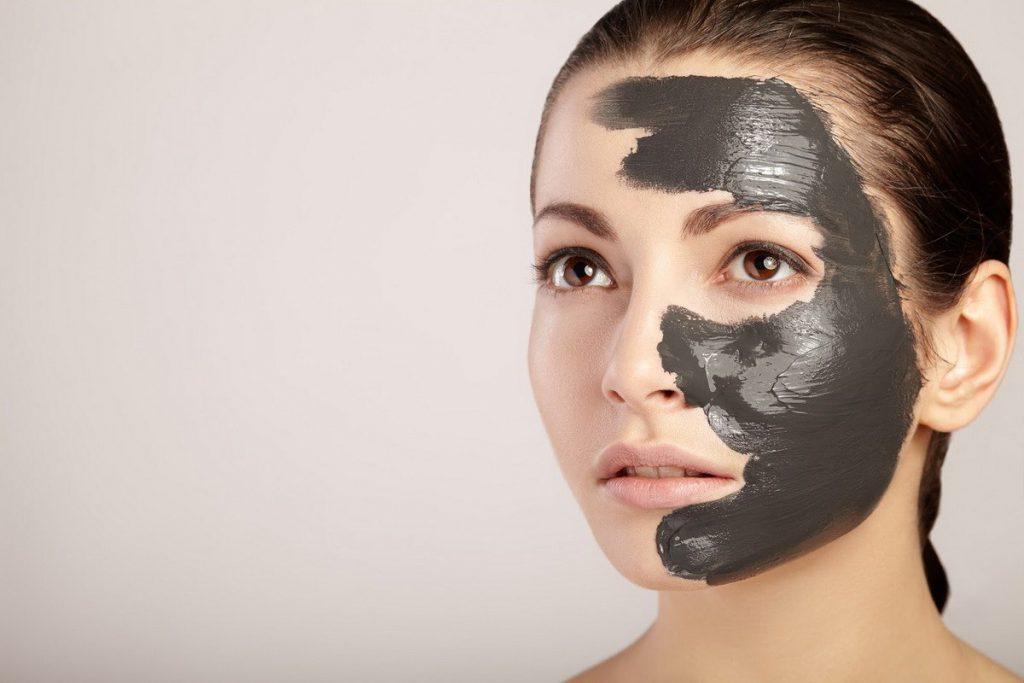 Mặt nạ than tre hoạt tính có tốt không? Thích hợp với những loại da nào?